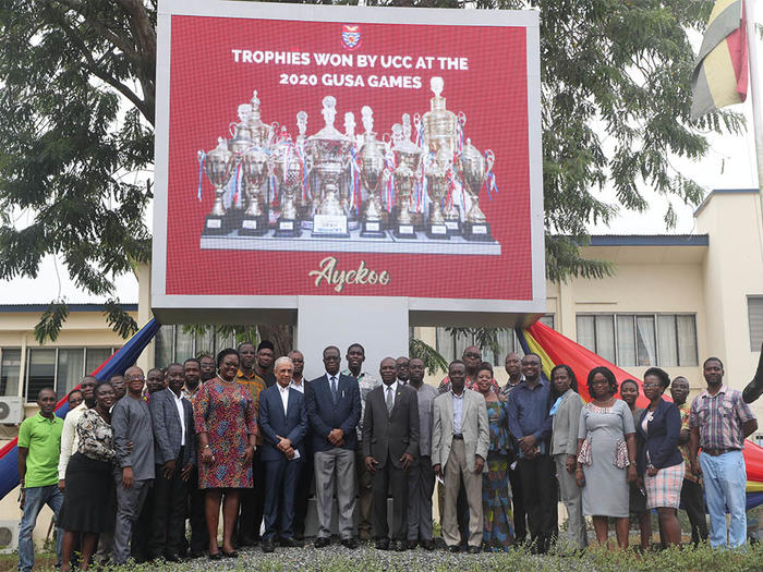 Vice-Chancellor with dignitaries after the inauguration