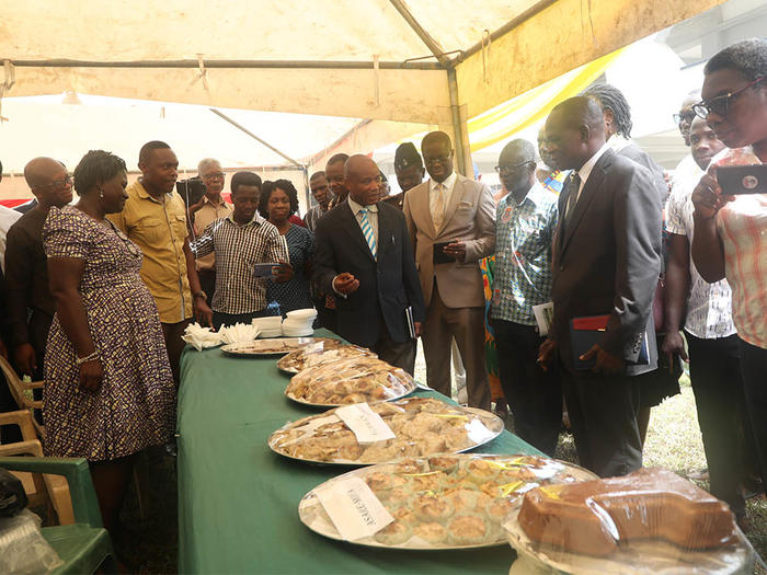 Dignitaries at the exhibition grounds